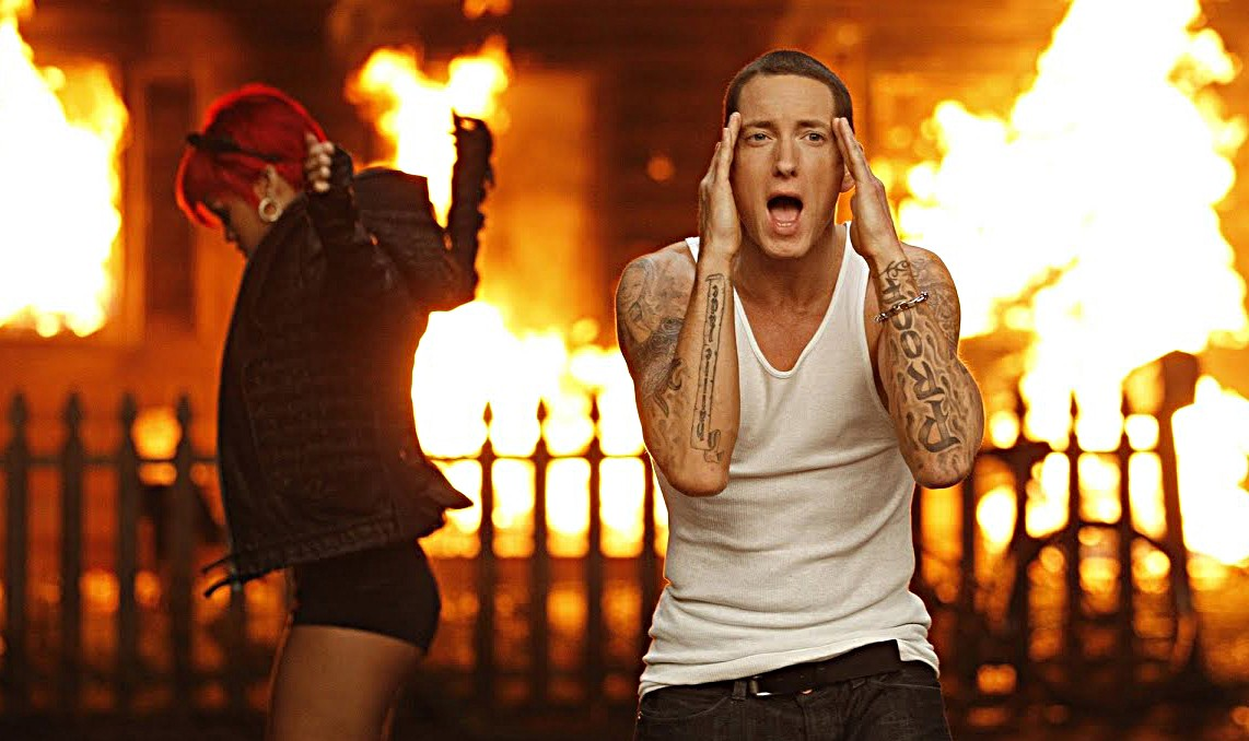 eminem-love-the-way-you-lie-2-billion